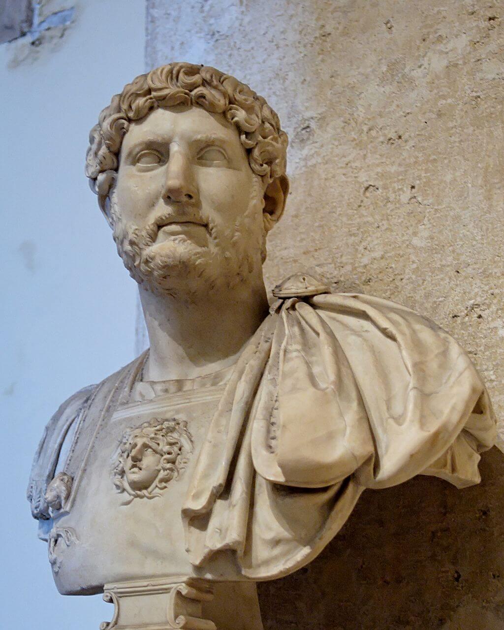 ローマ皇帝ハドリアヌスの胸像