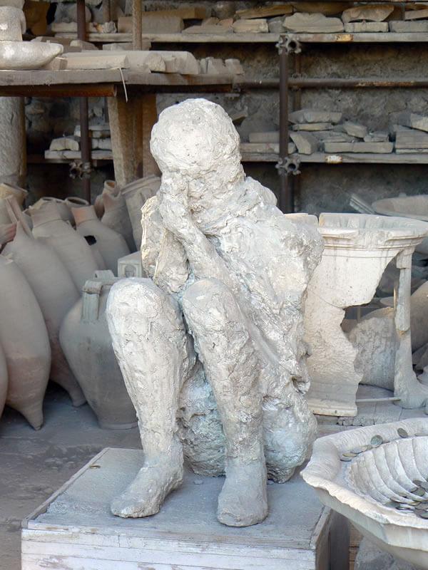 ポンペイの石膏像