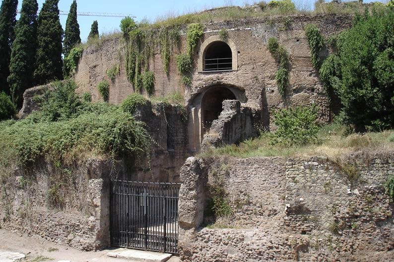 アウグストゥス廟の写真
