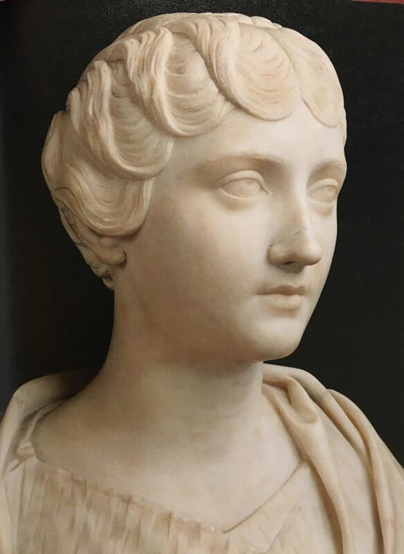 アンニア・ファウスティナの胸像写真