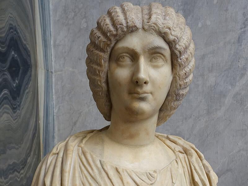 ユリア・ドムナの胸像