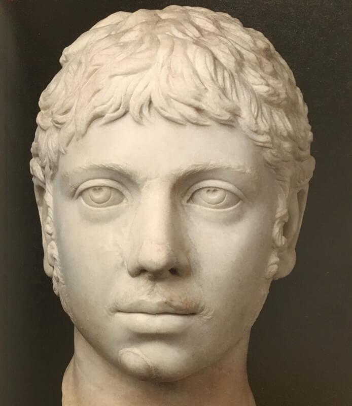 エラガバルスの胸像写真