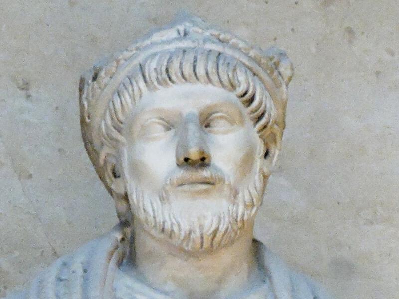 ユリアヌスの像