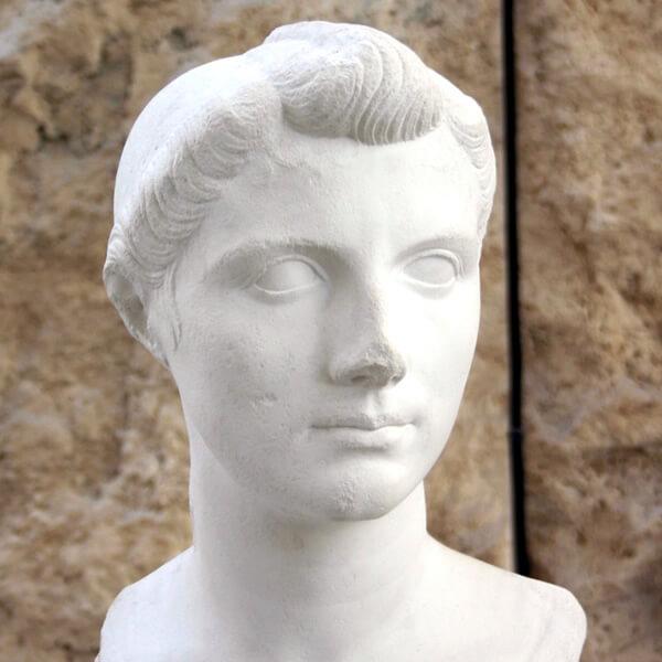 小オクタウィアの石膏像