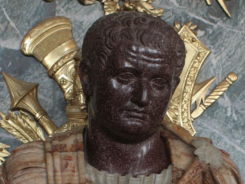 ティトゥス帝の彫像