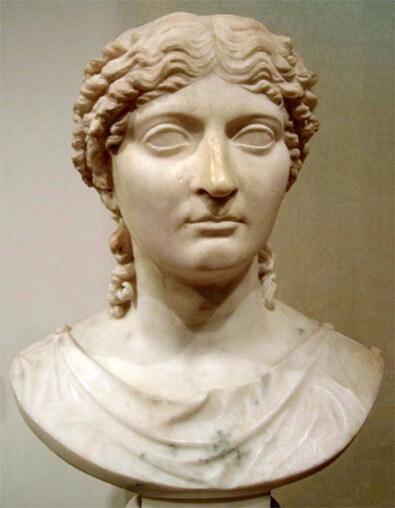 アグリッピナの彫像