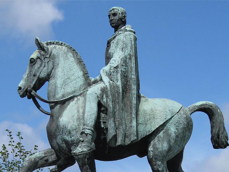 コルブロの銅像